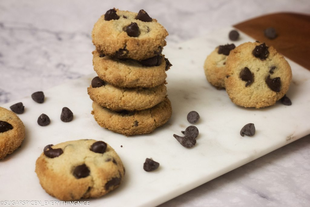 5 Ingredient Almond Flour Cookies (Vegan and Gluten free!)